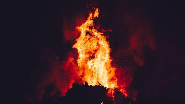 Fuego (imagen referencial) - Sputnik Mundo