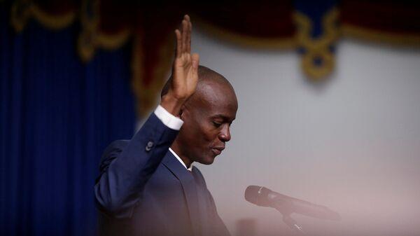 Haitian President Jovenel Moise takes the oath of office during his inauguration in Port-au-Prince, Haiti February 7, 2017 - Sputnik Mundo