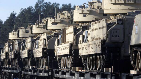 Tanques de la OTAN en Letonia (archivo) - Sputnik Mundo