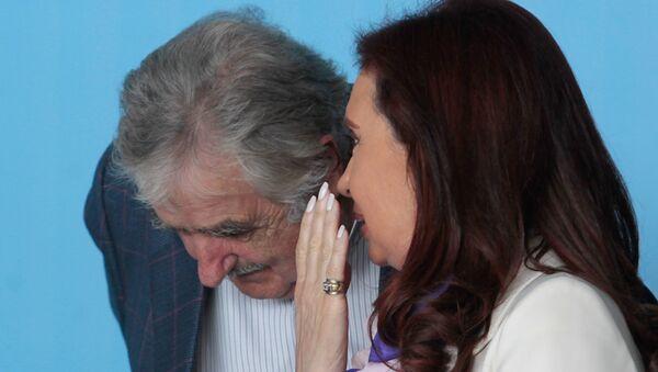 José Mujica y Cristina Fernández en Brasil, 16 de julio de 2014 - Sputnik Mundo