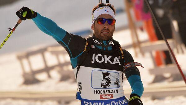 Un biatlonista francés arrastra a propósito a su rival ruso en el Campeonato Mundial (vídeos) - Sputnik Mundo