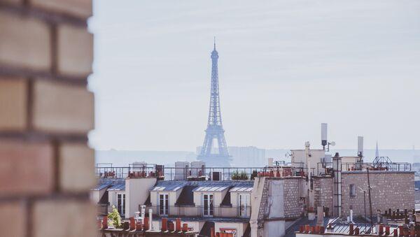 Torre Eiffel en París - Sputnik Mundo