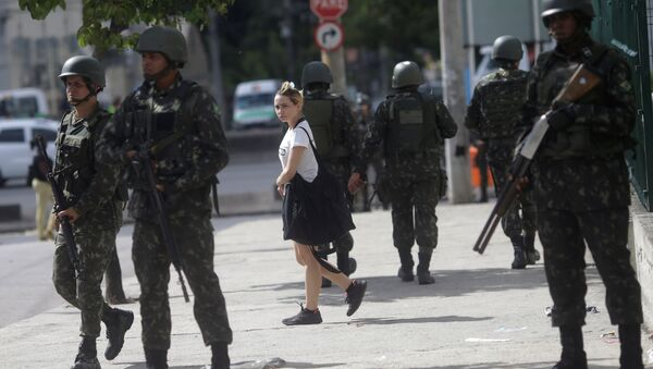 La Fuerza Nacional de Brasil en las calles de Río de Janeiro - Sputnik Mundo