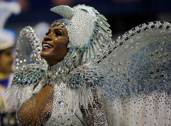 Los colores y el brillo en el carnaval de Río de Janeiro - Sputnik Mundo