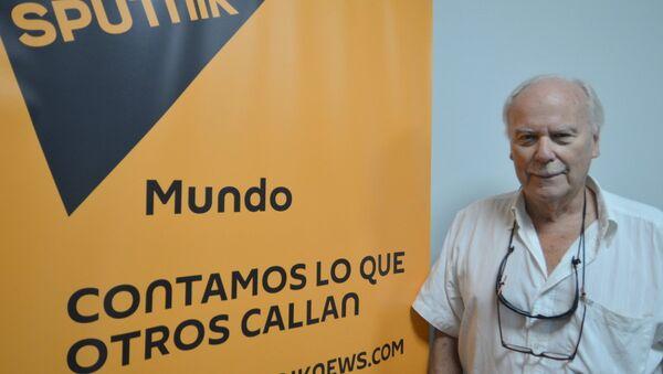 Sasha Tolstói, nieto del gran escritor ruso, visita la redacción de Sputnik en Montevideo - Sputnik Mundo