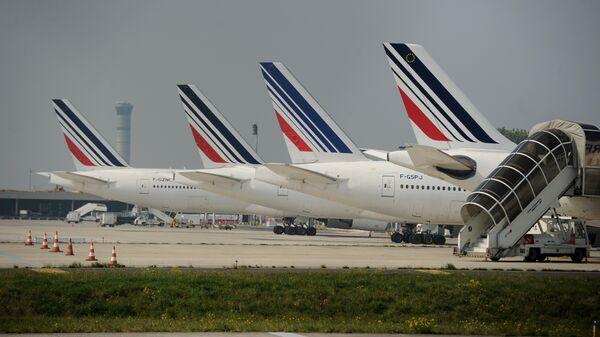 Aviones en el aeropuerto de París - Charles de Gaulle (archivo) - Sputnik Mundo