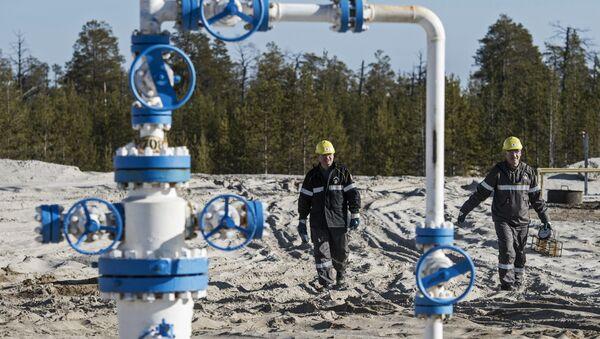 Extracción de petróleo en Rusia (archivo) - Sputnik Mundo