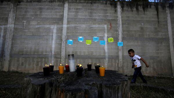 Homenaje a las víctimas del incendio en casa hogar en Guatemala - Sputnik Mundo