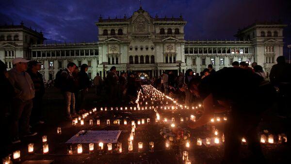 Homenaje a las víctimas del incendio en Guatemala - Sputnik Mundo