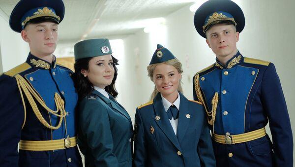 La belleza de las soldados rusas en todo su esplendor - Sputnik Mundo