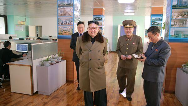 North Korean leader Kim Jong Un visits Baekdu Mountain Architecture Research Institute - Sputnik Mundo