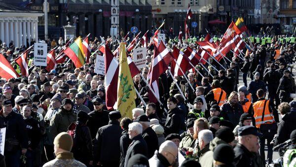 La marchas de los neonazis y los exlegionarios de las Waffen SS en Riga, Letonia - Sputnik Mundo