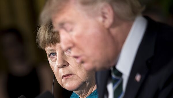 Bundeskanzlerin Angela Merkel und US-Präsident Donals Trump bei der gemeinsamen Pressekonferenz in Washington - Sputnik Mundo