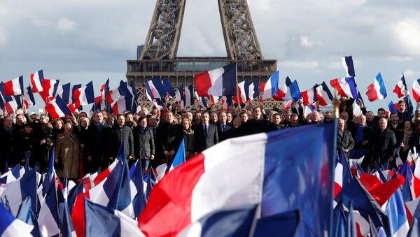 Las banderas de Francia - Sputnik Mundo