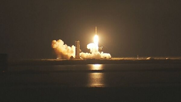 Un cohete de EEUU coloca en órbita satélite de comunicaciones - Sputnik Mundo