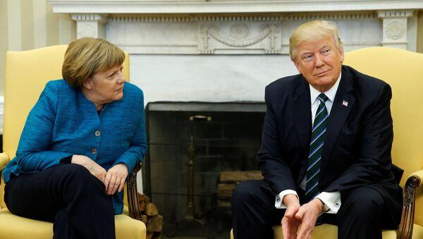 Canciller de Alemania, Angela Merkel, y presidente de EEUU, Donald Trump - Sputnik Mundo