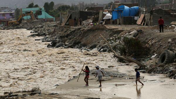 Inundación en Lima, Perú - Sputnik Mundo