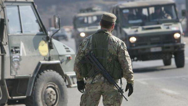 Soldado en Kosovo (archivo) - Sputnik Mundo