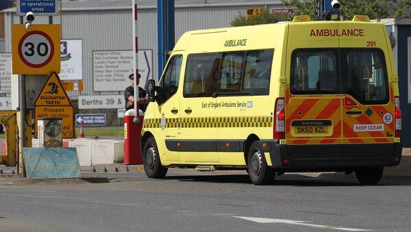 Una ambulancia británica - Sputnik Mundo