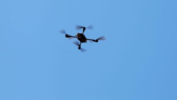 Un dron (archivo) - Sputnik Mundo