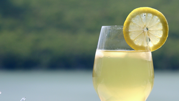 Limonada (imagen referencial) - Sputnik Mundo