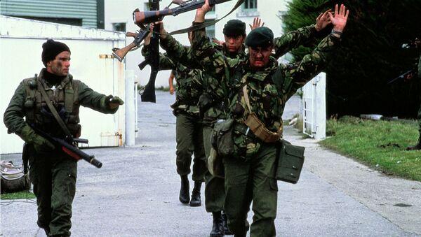 Rendición de los soldados británicos en Malvinas en 1982 - Sputnik Mundo