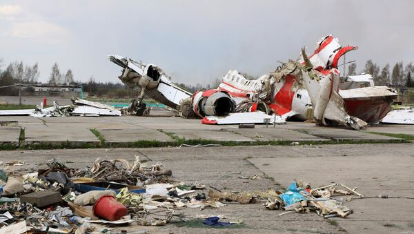 Restos del avión polaco Tu-154 (Archivo) - Sputnik Mundo