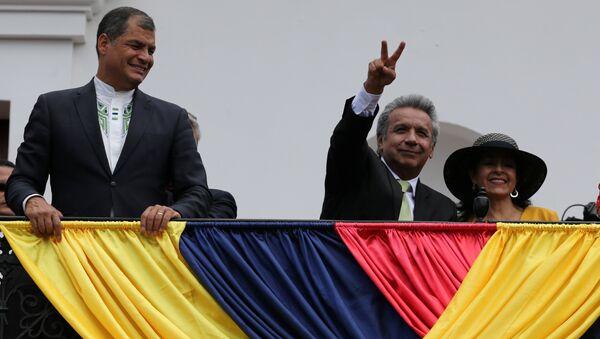 Rafael Correa, presidente de Ecuador con Lenin Moreno, ganador de las presidenciales - Sputnik Mundo
