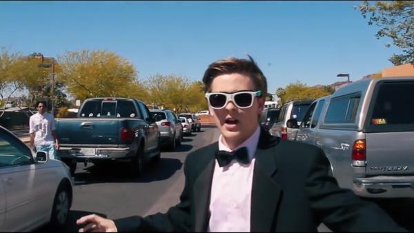 El estadounidense Jacob Staudenmaeir invita a Emma Stone a su baile de graduación - Sputnik Mundo