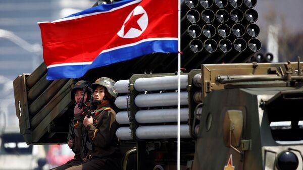 Desfile militar en Corea del Norte (imagen referencial) - Sputnik Mundo