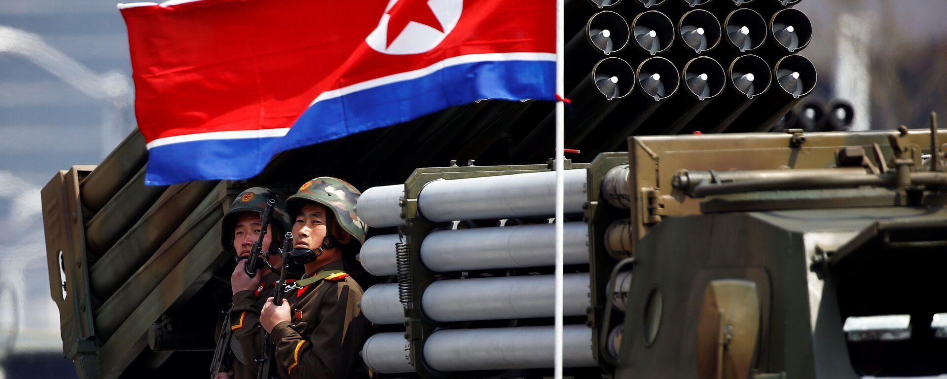 Desfile militar dedicado al 105 aniversario del nacimiento del fundador del Estado norcoreano, Kim Il Sung - Sputnik Mundo, 1920, 25.03.2021