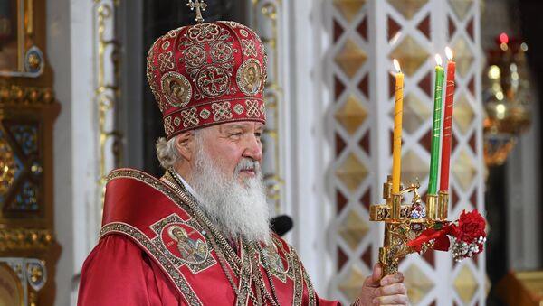 Patriarca de Moscú y de toda Rusia, Kiril ofrece liturgia de Pascua en la Catedral del Cristo Salvador - Sputnik Mundo