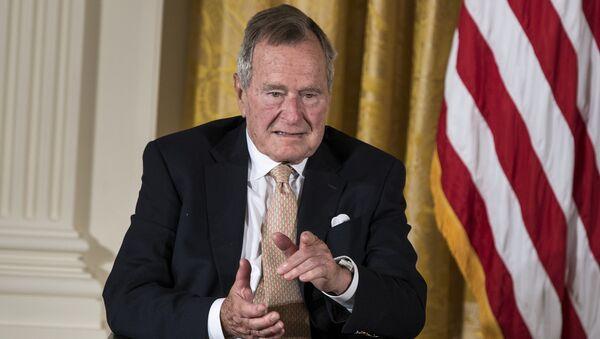 George H. W. Bush, expresidente de EEUU - Sputnik Mundo