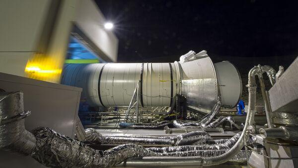 Una prueba de motor para el Sistema de Lanzamiento Espacial - Sputnik Mundo