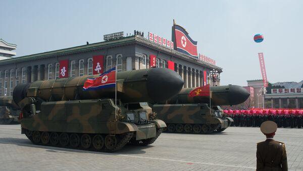 Lanzadores de misiles balísticos intercontinentales del Ejército Popular de Corea del Norte - Sputnik Mundo
