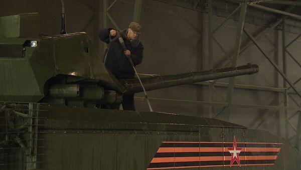 Así se preparan los tanques rusos para el Día de la Victoria - Sputnik Mundo