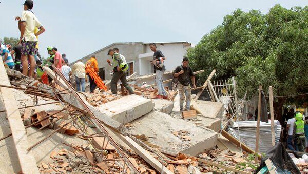 Desplome de un edificio en Cartagena, Colombia - Sputnik Mundo