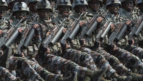 Fuerzas especiales norcoreanas durante un desfile en Pyongyang - Sputnik Mundo