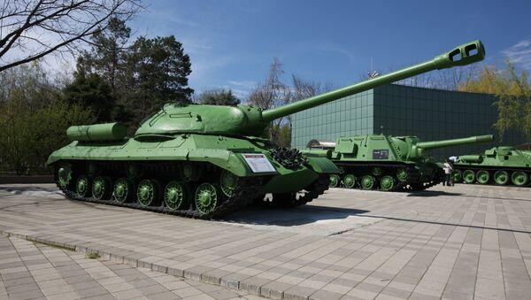 Tanque soviético IS-2 - Sputnik Mundo