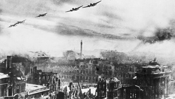 Los bombarderos soviéticos en Berlín (1945) - Sputnik Mundo