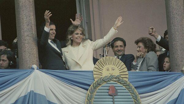 Carlos Menem, expresidente de Argentina y su exesposa, Zulema Yoma (archivo) - Sputnik Mundo