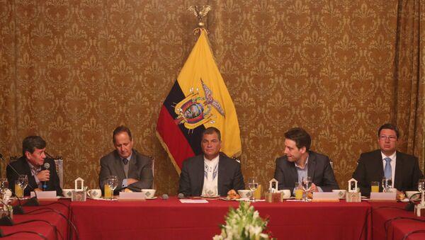 Desayuno del presidente Rafael Correa con las delegaciones del ELN y del Gobierno de Colombia - Sputnik Mundo
