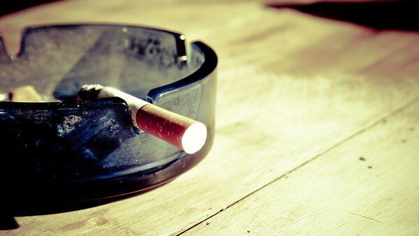 Un cigarillo - Sputnik Mundo
