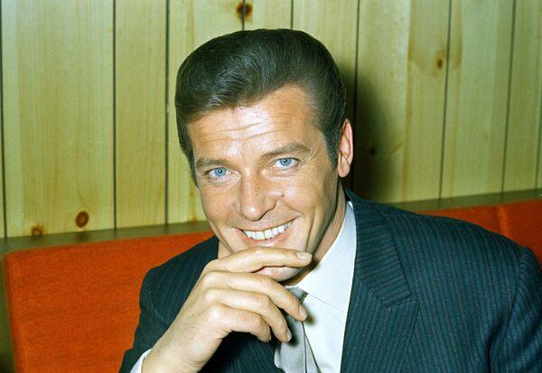 Roger Moore ha sido el actor que más veces interpretó al espía inglés, con siete apariciones. - Sputnik Mundo