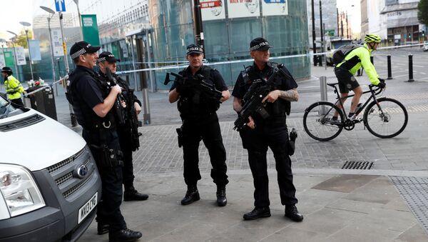 Policía británica en Mánchester - Sputnik Mundo