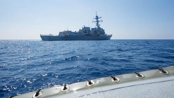 Destructor estadounidense USS Dewey en el mar del Sur de China - Sputnik Mundo