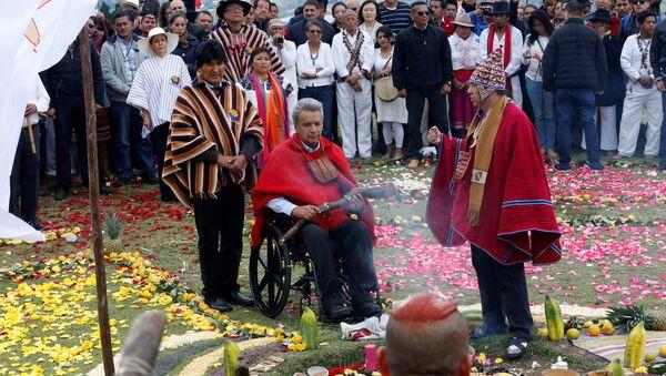 Presidente de Bolivia, Evo Morales, y presidente de Ecuador, Lenín Moreno, durante un ritual - Sputnik Mundo