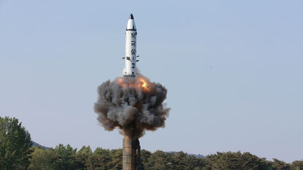 Corea del Norte lanza misil balístico - Sputnik Mundo