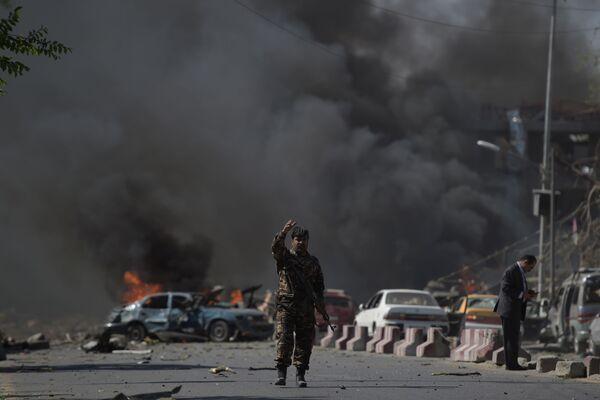 Un atentado sangriento en el barrio diplomático de Kabul - Sputnik Mundo