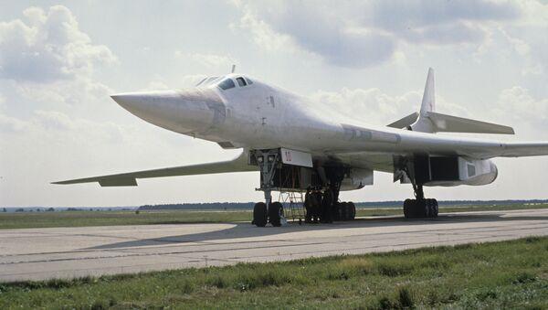 El bombardero soviético Tu-160 - Sputnik Mundo
